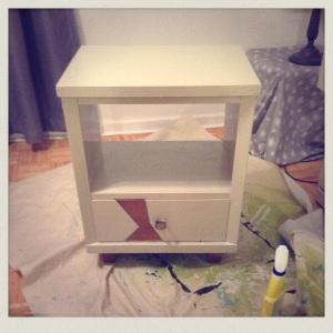 Tada! Neo-nightstand!